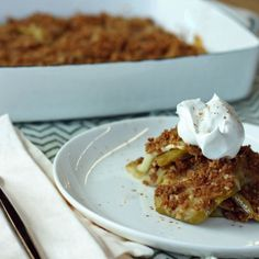 This sweet treat will barely make a dent in your diet since it's full of apple and walnuts. Holloway suggests for an extra indulgence. Apple Brown Betty, American Desserts, Lemon Sauce, Apple Crisp, Sweet Treats, Bread, Diet, Baking, Fruit