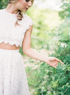Organic Bridal Style in a Two Piece Gown | Wedding Sparrow | Kayla Barker Photography