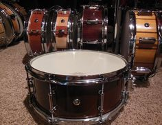 Maple 6x14 with antique maple lacquer and tube lugs. This one took me a very long time to make, had to spend hours on the finish.