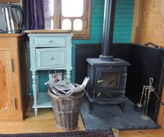 wood burning stove in caravan - Google Search Wood Burner, Old Wood, Stove, Home Appliances, House, Caravan, Real Estate, Google Search, House Appliances