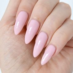 Essie Gel Couture Gala Bolds collection - I have four colours from the new essie Gel Couture range - take a look at the swatches here! Pastel Pink Nails, Essie Gel, Opi, Christmas Manicure, Artificial Nails, Nail Art Diy, Perfect Nails, Nail Polish Colors, Trendy Nails