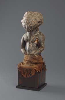 Magical half figure D. R. Congo, Luba  H: 24 cm H: 9.4 inch  Provenance Adrian Schlag, Brussels, Belgium  Literature Art of Oceania, Africa, and the Americas from the Museum of Primitive Art, New York 1969, ill. 428