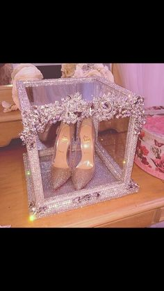 Read more about quinceanera party center pieces; Be sure you talk with your quinceanera princesses friends about gowns before they may be wearing. Quinceanera Shoes, Quinceanera Party, Quince Decorations, Quinceanera Decorations, Sweet 15 Decorations, Bridal Shoes, Wedding Shoes, Dream Wedding, Wedding Dresses