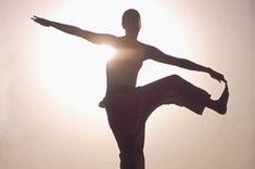 El cloruro de magnesio sirve entre cosas para: Combate el estreñimiento Mejora la memoria Estabiliza el sistema nervioso dando calma y armonía Ayuda a dormir mejor por la noche Ayuda a estar mas alerta durante el día Mejora la absorción de muchos nutrientes, entre ellos el calcio. Combate la depresión, estrés, ansiedad y el mal carácter Mejora el rendimiento deportivo e intelectual Alivia y sana dolores crónicos Ayuda a combatir y hasta sanar la diabetes Da alegría de vivir y un largo etc. E...