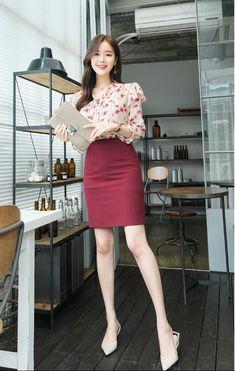Korean Fashion Work, Korea Fashion, Asian Fashion, Cute Skirt Outfits, Simple Outfits, Classy Outfits, Modern Fashion Outfits, Workwear Fashion, Fashion Blogs