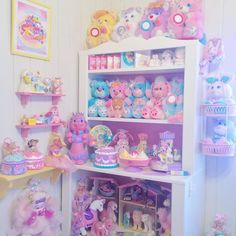 Room organization doesn't have to be boring. In fact, there are a lot of stylish and kawaii ways to do so! Kawaii Bedroom, Pastel Room, Rainbow Brite, Rainbow Room, Toy Rooms, Girly, Toy Organization, Displaying Collections, Diy Room Decor