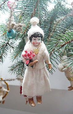 Christbaumschmuck aus watte mit Antike Puppe Porzellankopf, Mädchen