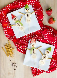 Fruit Kabobs, Your Favorite, Activities For Kids, Snowman, Diy Projects, Entertaining, Christmas Ornaments, Holiday Decor, Party