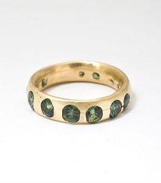 // green sapphire band