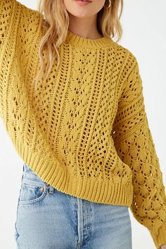 A chenille cable knit sweater featuring a round neckline, long sleeves, dropped shoulders, and ribbed trim. Mode Crochet, Crochet Top, Crochet Hats, Knitting Designs, Knitting Patterns Free, Crochet Patterns, Hat Patterns, Vogue Knitting, Summer Sweaters