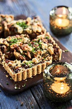 Kantarelli-sinihomejuustopiirakka Anna, Muffin, Breakfast, Food, Morning Coffee, Essen, Muffins, Meals, Cupcakes