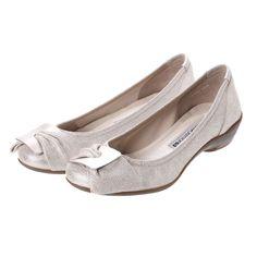 コンポジションナイン composition9 バックルモチーフスタイリッシュコンフォートパンプス (ゴールド) -靴とファッションの通販サイト ロコンド