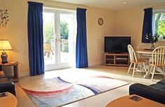 3 Bedroom home in Fairford to rent from pw. With balcony/terrace, TV and DVD. Balcony, Terrace, Contemporary, Tv, Bedroom, House, Home Decor, Home, Patio