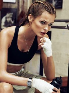 Sweaty Boxer Shoots: The Edita Vilkeviciute Vogue Paris Editorial is Genuinely Sporty Moda Fitness, Sport Fitness, Health Fitness, Health App, Sport Fashion, Fitness Fashion, Look Fashion, Magazine Sport, Boxing Classes