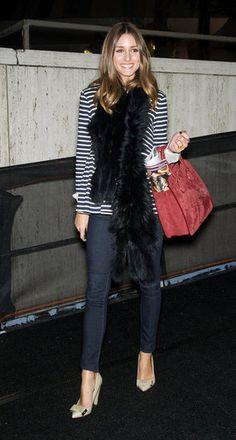 dark indigo skinny jeans teamed with tailored blazer and ladylike heels!