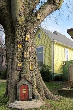 Outdoors Discover DIY garden art ideas do not have to be expensive but they will definitely turn . DIY garden art i Diy Garden Gnome Garden Dream Garden Garden Projects Garden Art Fairies Garden Garden Crafts Garden Trees Children Garden Gnome Garden, Garden Art, Fairies Garden, Garden Trees, Children Garden, Garden Planters, Herb Garden, Balcony Garden, Kids Fairy Garden