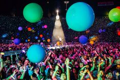 Coldplay at the Rose Bowl August 21, 2016 - I see my dad & me!