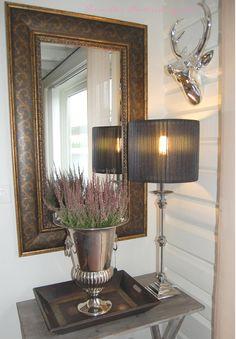 PERNILLES INTERIØRSYSLER! Table Lamp, Mirror, Lighting, Furniture, Home Decor, Eggs, Lamp Table, Decoration Home, Light Fixtures