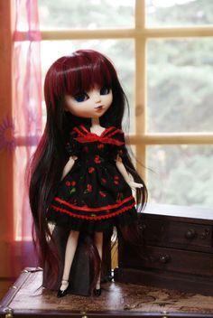 Pullip Cherry Sailor Dress por DollyBoutiquee en Etsy, €18.75