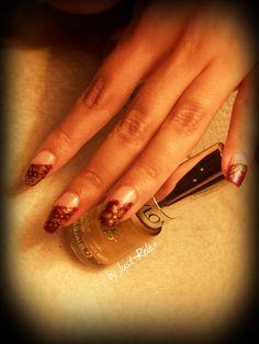 Purple side swipe with golden patterns.