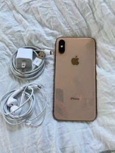Never used without a screen protector or case! Iphone Phone, Best Iphone, Iphone Cases, Iphone Apple Watch, Telefon Apple, Free Iphone Giveaway, Iphone App Layout, Accessoires Iphone, Macbook Pro Case