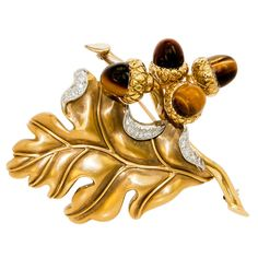 VERDURA Gold and Diamond Acorn brooch