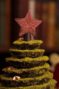 Schokoladen-Weihnachtsbaum aus unserer Chocolaterie / Chocolat christmas tree from our manufacture