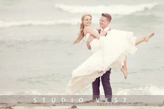 How breathtaking does our bride look?   Studio Vest Photography   Kenneth Winston Style 1431 #kennethwinston #realbride