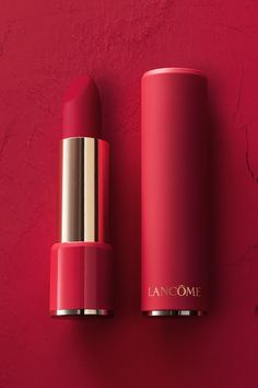 Beautiful matte pigment, without the drying effect. For a limited time get a sleek color-matched mattified case when you purchase Obsessive Red, 388 Rose Lancôme & 507 Drama'Atic. Lipsense Lip Colors, Lip Gloss Colors, Lip Colour, Red Lipstick Shades, Lipstick Colors, Lancome Lipstick, Batons Matte, Best Lipsticks, Lipstick Collection