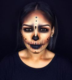 Thank you so much for all the love on this skull look that I did on my gorgeous model!❥❥ __ Inspired by the amazing @lora_arellano ❤️ __ I used 35O palette for the eyes & shading + slate (Black) gel liner from @morphebrushes for all the detailing✒️