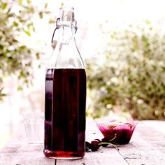 Here is a delicious recipe for Cherry cordial. Browse though a wide variety of recipes, tips and inspiring ideas. Cold Drinks, Beverages, Sandwich Cake, Preserves, Lemonade, Harvest, Smoothies, Juice, Good Food