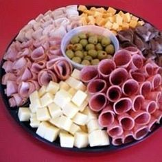 Food Snacks Salty - - Food Cravings Meaning - Meat And Cheese Tray, Meat Trays, Food Trays, Meat Platter, Cheese And Cracker Tray, Party Food Platters, Party Trays, Snacks Für Party, Party Food Buffet