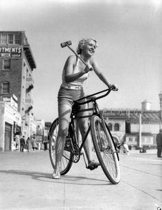 Fixed Gear Blog: Vintage Bike Polo Girl