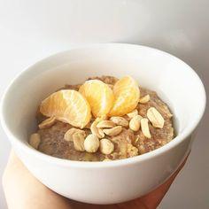 Siemianka.  Jeśli znudziły Wam się klasyczne owsianki proponuje zastąpienie płatków owsianych zmielonym siemieniem lnianym . Dodatkowo to… Dog Food Recipes, Breakfast, Morning Coffee, Dog Recipes