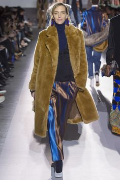 #DriesVanNoten #fashion #Koshchenets Dries Van Noten Fall 2017 Ready-to-Wear Collection Photos - Vogue