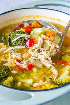 Detox Chicken Soup Eat this Detox Chicken Soup to Lower Inflammation and Shed Water Weight – Clean Food Crush More from my siteAmazing Healthy Chicken Detox Soup Recipe & Cleanse Yummy Recipes, Clean Eating Recipes, Dinner Recipes, Healthy Eating, Cooking Recipes, Healthy Recipes, Clean Eating Soup, Atkins Recipes, Dinner Ideas