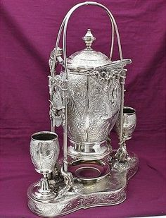 BIG VICTORIAN SILVER PLATE PARROT FIGURAL REPOUSSE TIPPING LEMONADE WINE PITCHER