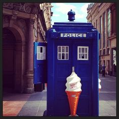 """@Glasgow: Scotland with style's photo: """"The sun is shining #inglasgow,  so it must mean it's time for a quirky ice cream vendor on Buchanan Street :-) #sunnydays #glasgow #buchananstreet #icecream #instapic #sightseeing"""""""