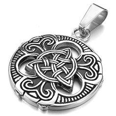 Collar con motivos celtas ideal para llevar solo colgando del cuello o acompañado de otros collares más pequeños.  Link de compra: http://amzn.to/2iUIf8d