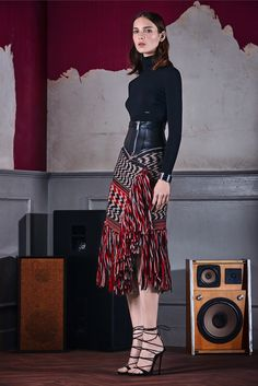 Dsquared² Pre-Fall 2015 Fashion Show Collection: See the complete Dsquared² Pre-Fall 2015 collection. Look 6 Fashion Week, Look Fashion, High Fashion, Fashion Show, Womens Fashion, Fashion Design, Fashion Decor, Fashion 2015, Outfit Trends