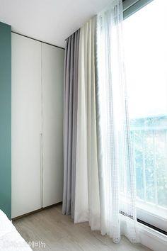 [아파트인테리어] 예쁜집 로망실현! 개구쟁이 두 아들도 웃음가득 47평 보금자리 : 네이버 포스트 Curtains, Home Decor, Blinds, Decoration Home, Room Decor, Draping, Home Interior Design, Picture Window Treatments, Home Decoration