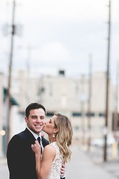 Downtown Columbus, Ohio Engagement Session, Summer Engagement Session Inspo. By: Brett Loves Elle Photography, Columbus Wedding Photographer