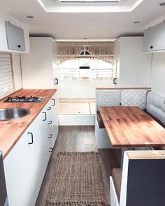 Looking forward to building your own tiny house on wheels? Before you ever start build your tiny house, the first step is to figure out the perfect design for you! Here are inspirations for your future tiny house design. Camper Renovation, Interior, Home, Kitchen Decor, House On Wheels, Caravan Decor