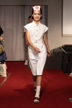 Symonds Pearmain Primavera Verano 2020 Pret-A-Porter - Pasarelas Catwalk Fashion, Fashion Trends, Singer Fashion, Vogue Mexico, Fashion Show Collection, Ready To Wear, Women Wear, Spring Summer, Shirt Dress