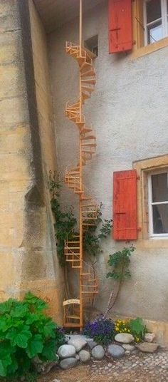 Genius Hacks Cat Owners Will Love Instantly Small cat ladder to their heaven. 21 Genius Hacks Cat Owners Will Love Small cat ladder to their heaven. 21 Genius Hacks Cat Owners Will Love Instantly Cat Stairs, Cat Run, Cat Towers, Cat Playground, Cat Enclosure, Outdoor Cats, Outdoor Play, Cat Condo, Pet Furniture