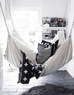 16x Een Hangmat In Het Interieur   Inspiratie   MakeOver.nl · Hanging  BedsIndoor Hanging ChairsPillow ...