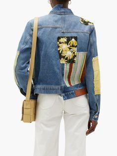 Painted Denim Jacket, Denim Art, Patchwork Jeans, Embellished Jeans, Tailored Jacket, Textiles, Denim Fashion, Jeans Style, Denim Jackets