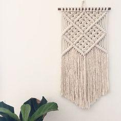 Macrame Wall Hanging / Modern Macrame / Tapestry by JoyLoopDesigns Macrame Design, Macrame Art, Macrame Projects, Macrame Knots, Macrame Wall Hanging Patterns, Macrame Patterns, Tapestry Wall Hanging, Tapestry Bedroom, Macrame Tutorial