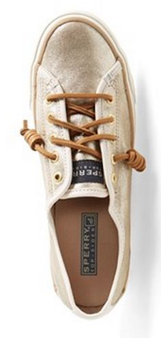 Sperry Top-Sider boat shoe http://rstyle.me/n/weraipdpe