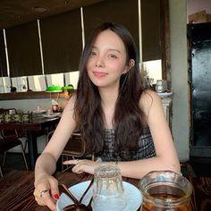 Jung Ji Woo, Jhope Sister, Korean People, Musa, Asian Style, Hoseok, Girl Crushes, Ulzzang, Sisters